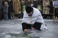 Правда и мифы о крещенской воде и крещенских купаниях