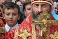 Митрополит Онуфрий просит Порошенко защитить священников Донбасса от неправомерных действий силовиков